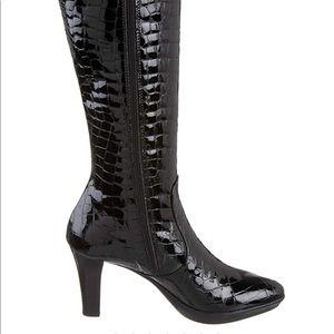 Aquatalia Radiant black croco print boots